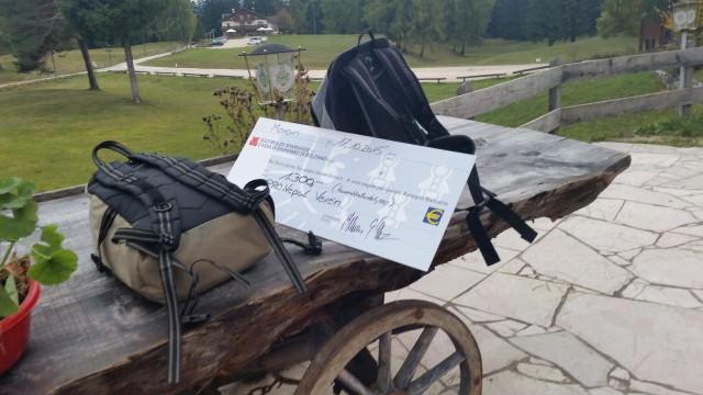 Der Scheck mit den Spenden